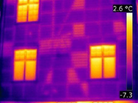 家屋壁面の断熱欠損部の識別
